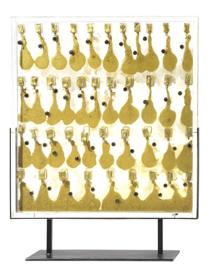 Arman, Sans titre, 1968, 100x84x16 cm