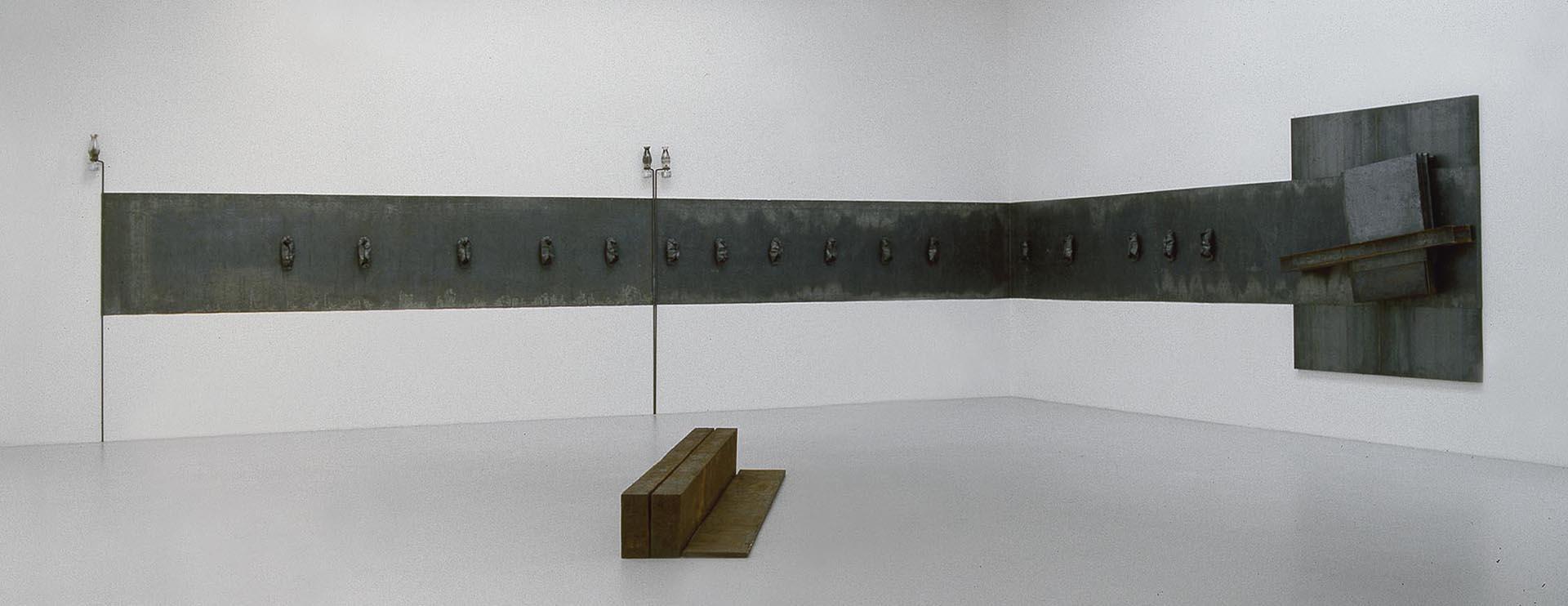Kounellis, Senza titolo, 1989, 180x1600 cm