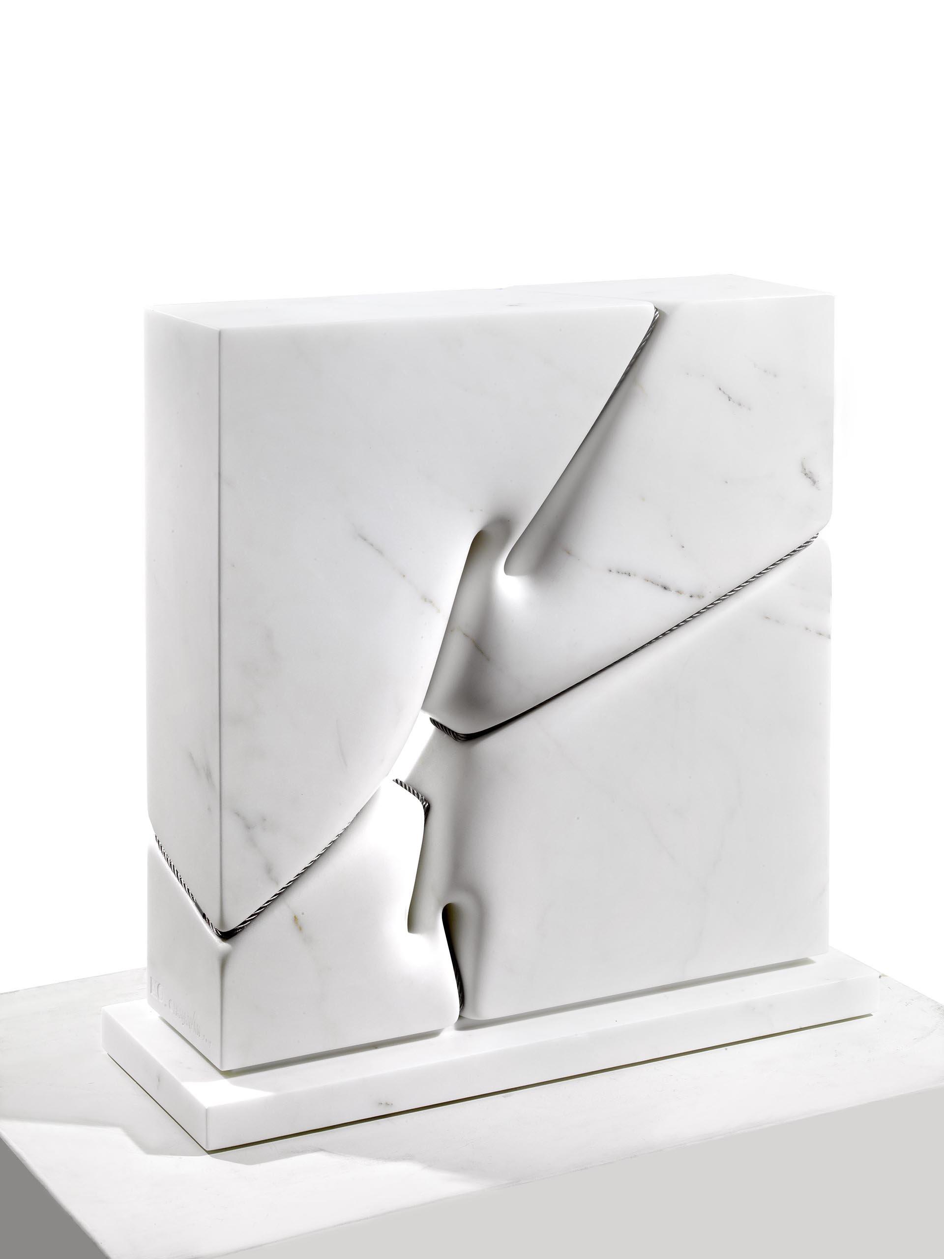 Ohanjanyan, Materialità dell'Invisibile n° 24, 2019, 54x55x21 cm