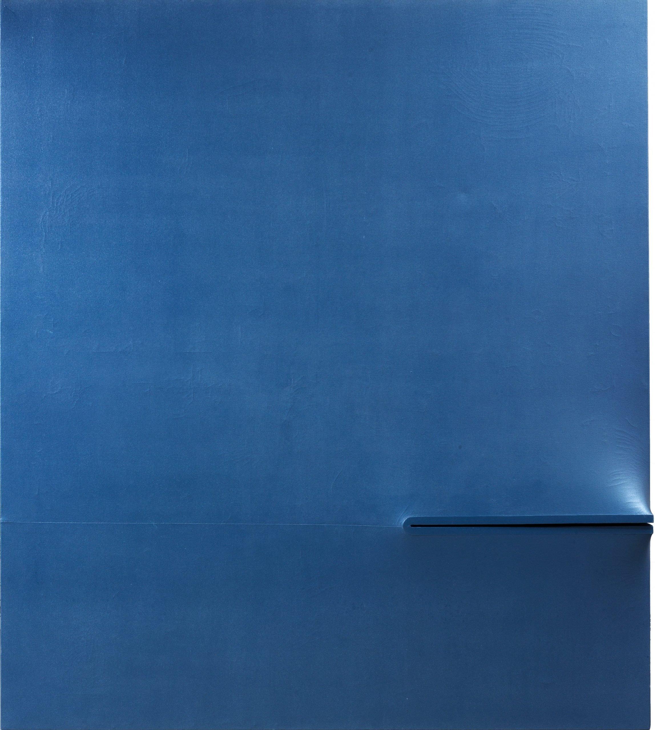 Agostino Bonalumi,  Blu, 1972 tempera sur toile exoflexe 180 x 160 cm