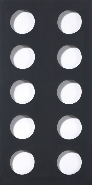 Dadamaino, volume, 1960, idropittura su tela, nero, 80x40 cm