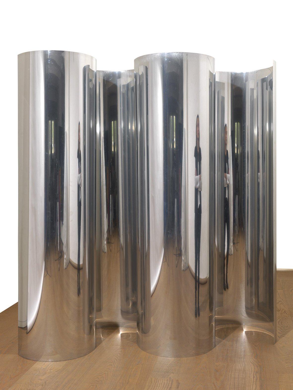 Getulio Alviani, Lo spazio dell'immagine (interrelazioni speculari curve) , 1964, 4 half cylinders in mirror effect polished aluminium, 78,74 x 22,83 x 12,59 inch